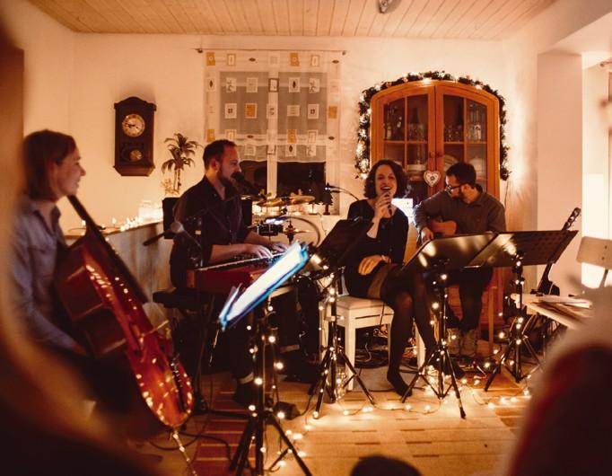Weihnachts Wohnzimmer Konzert Love Came Down Offener Abend